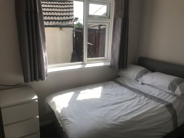 Double room, fully furnished and newly decorated