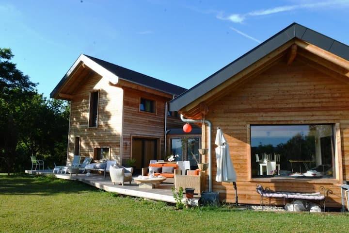 Superbe villa d'architecte entre lac et montagne