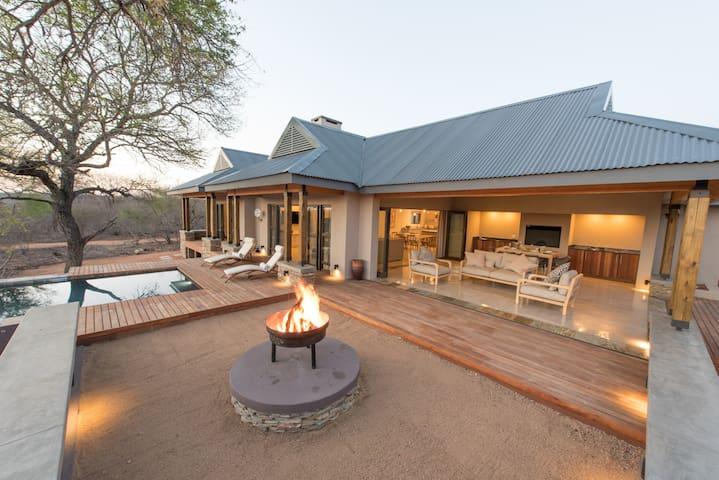 Nkanyi House on wildlife estate near Kruger Park - Hoedspruit - Maison