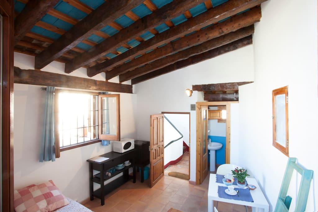 Una habitaci n con vistas dormitorios para hu spedes en alquiler en val ncia comunidad - Alquiler de una habitacion en madrid ...