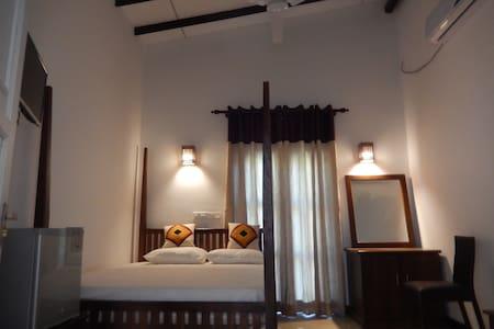 Hotel O'San - Tissamaharama - Bed & Breakfast