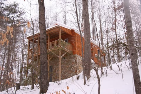 Hawk's Nest; Cozy Cabin w/Hot Tub