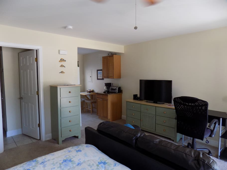 40 inch flat screen TV and desk, coffee maker , toaster