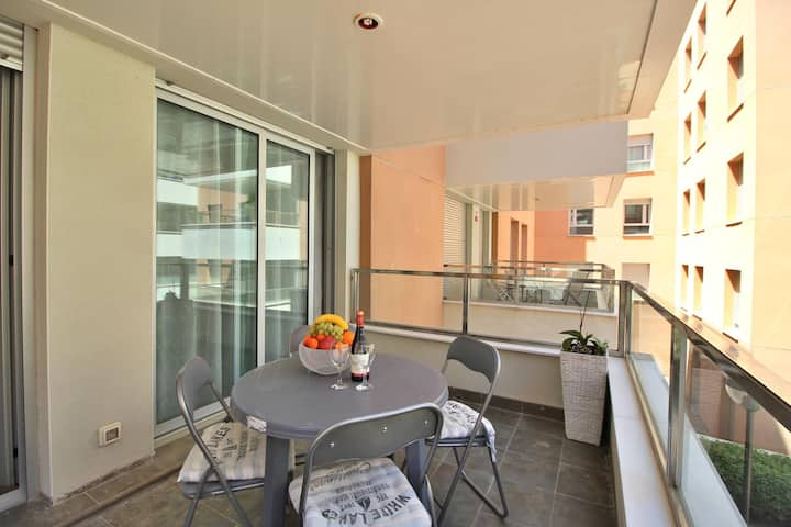 New apartment 250 meters from the beach