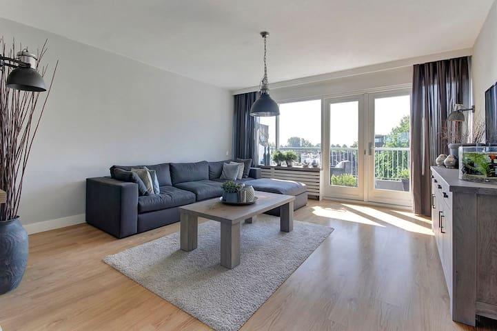 Ruim, sfeervol appartment nabij 't centrum A'foort - Amersfoort - Apartamento