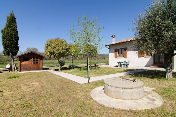 Spacious Villa bordering Tuscany - Tuoro Sul Trasimeno - Haus