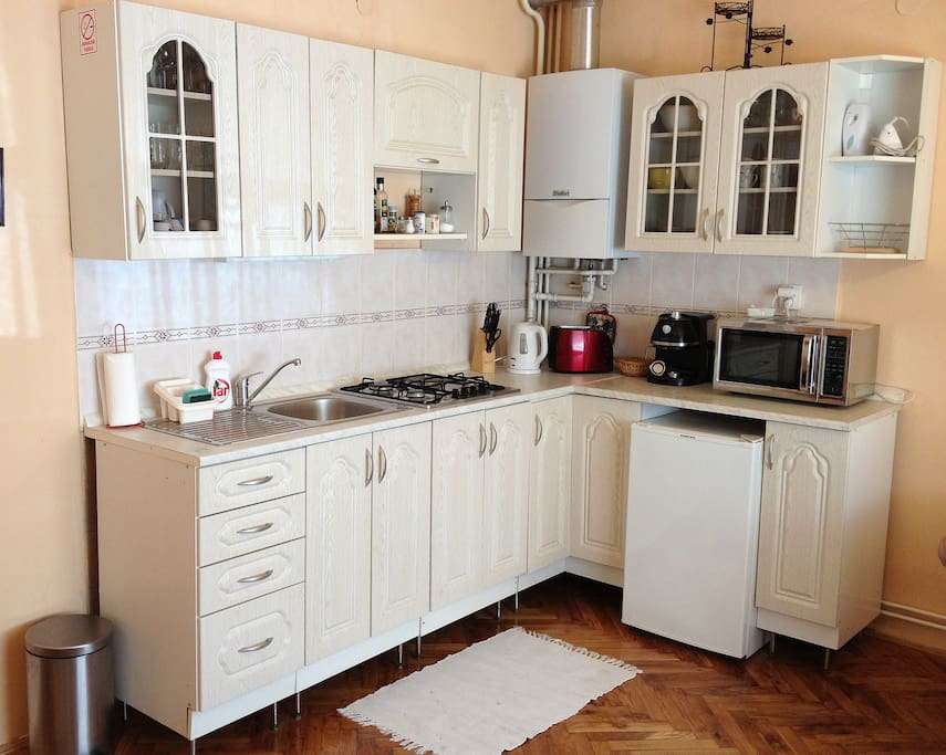 Fully equipped kitchen - enjoy preparing your meals here!