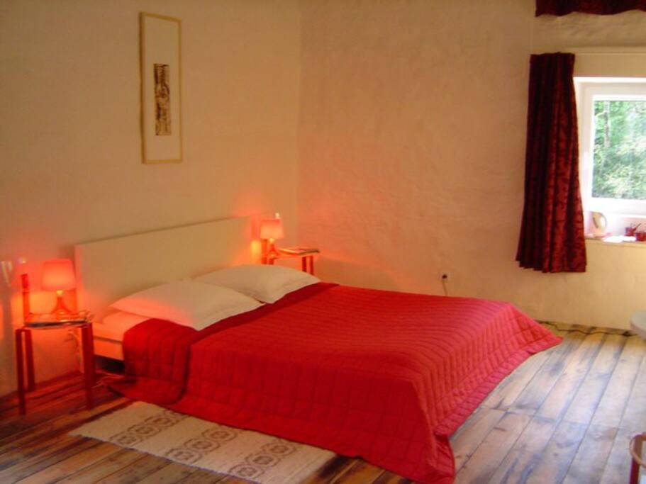 Le moulin de gauty chambre rouge chambres d 39 h tes - Chambre d hotes paray le monial ...