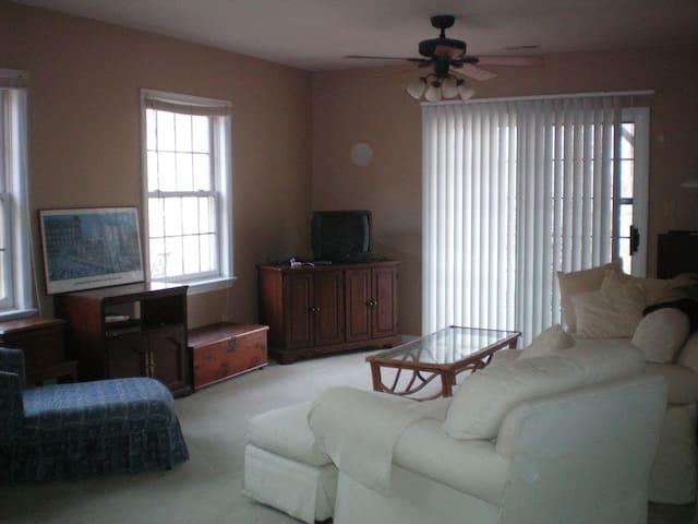 Asheville, NC Downstairs Apartment - Asheville - Apartemen