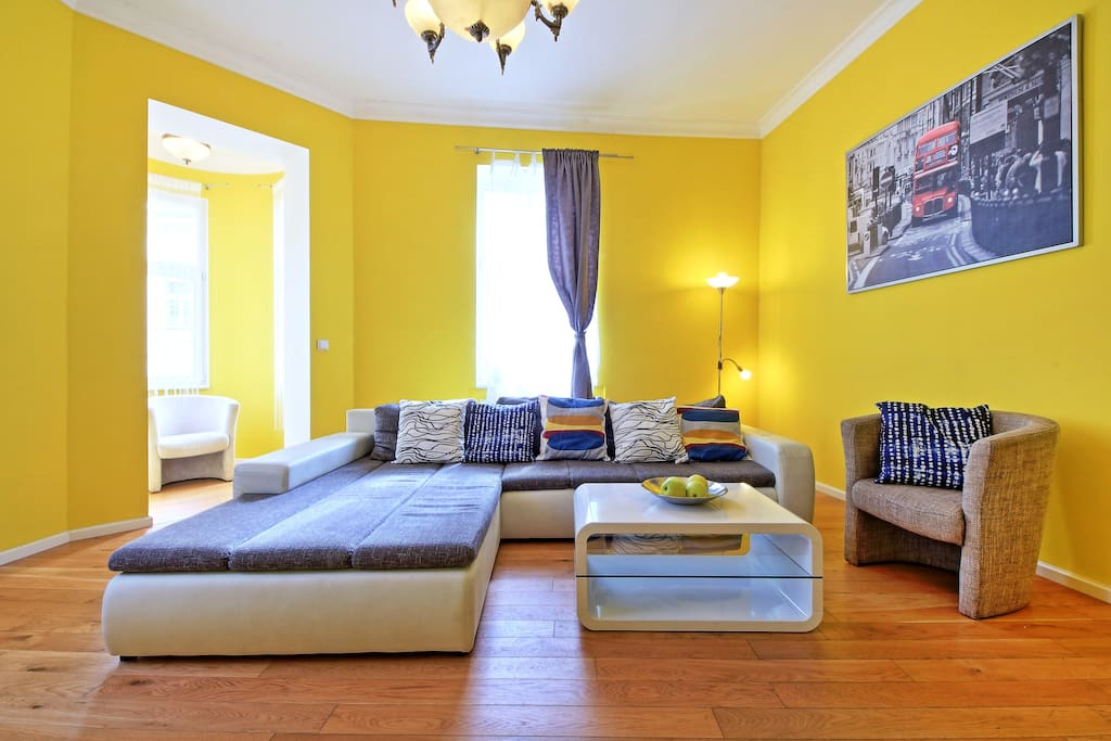 sunny 3-bedrooms apartment
