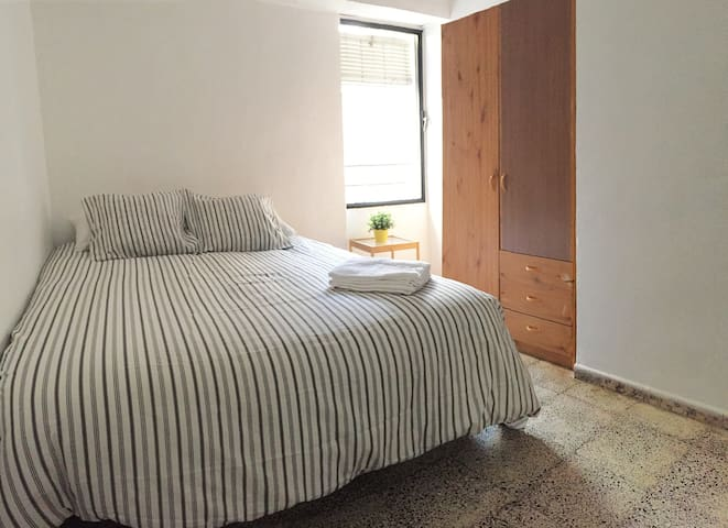 COZY DOUBLE ROOM NEAR CENTER+BEACH - València - Appartement