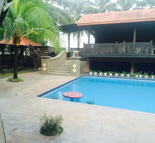 KLCC family villa - Kuala Lumpur