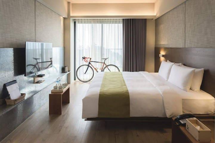 Kadda精緻 E (2人房)日出/海景/無邊際泳池/含自助式早餐/單車免費租借/距夜市1.4K。