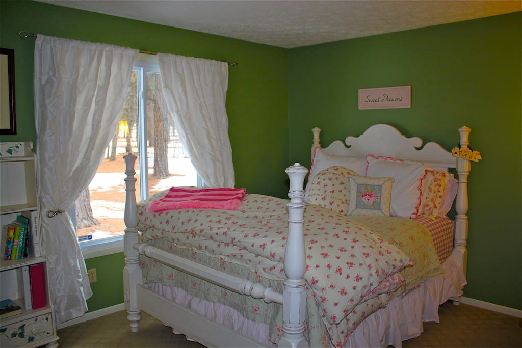 SWEET DREAMS Bedroom with picturesque view and plush comfy bedding