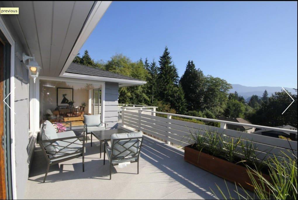 Back deck - lovely sitting area