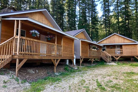 Last Spike Lodging Cabin 3