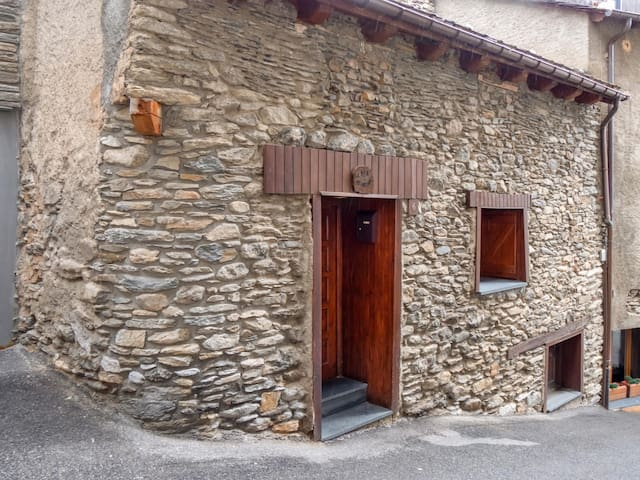 Nice 3 bedroom house for 6 Pax in Canillo.  CAL POTA
