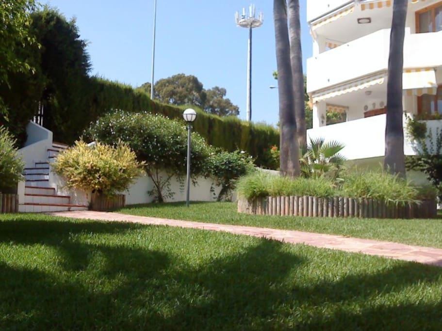 Garten - Jardín - Garden