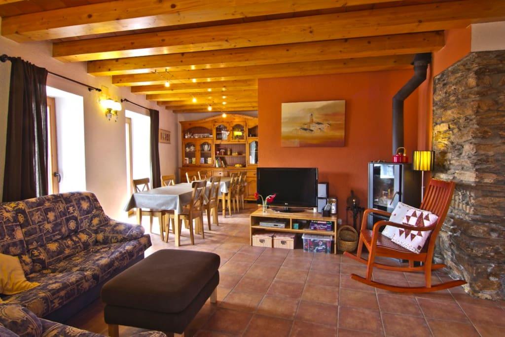 Casa rural en el pirineo catal n casas en alquiler en estac catalu a espa a - Casa en catalan ...