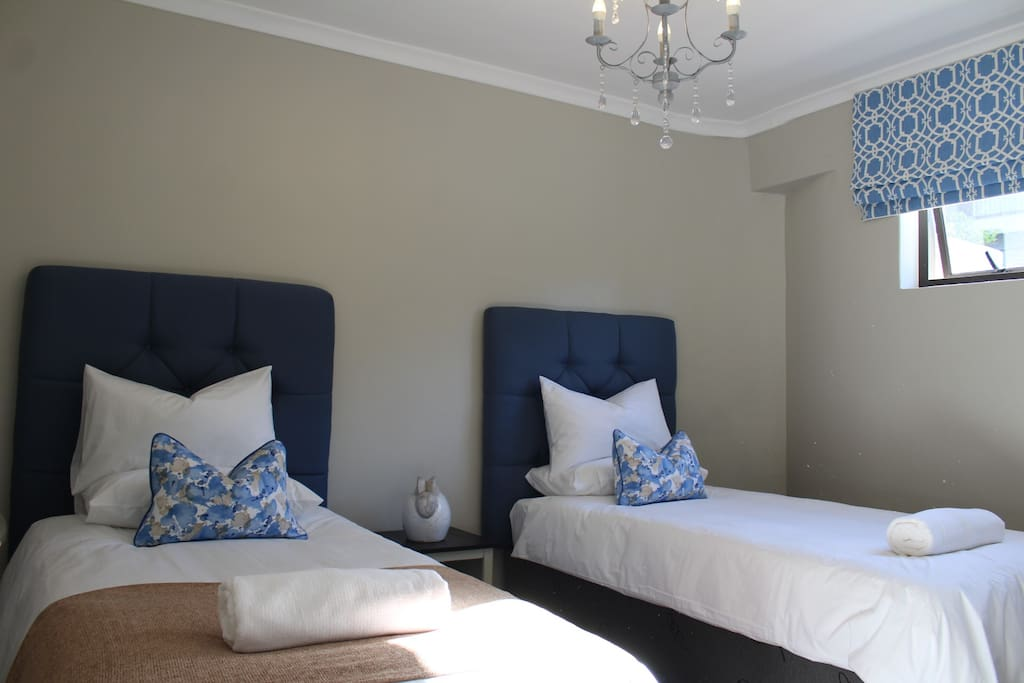 Spacious Second Bedroom with 2 Single Beds