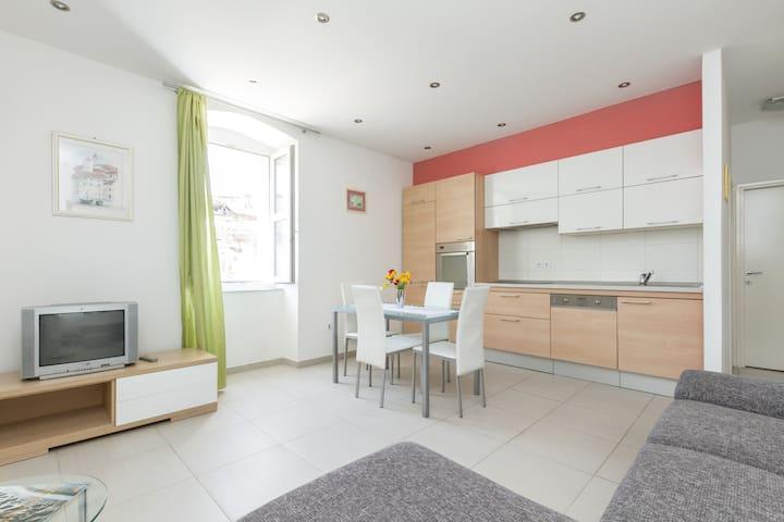 Dining/living room with NEW flat TV                      Apartment Angel, Split, Croatia