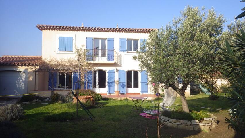 Villa style bastide provençale - Saint-Estève - Villa