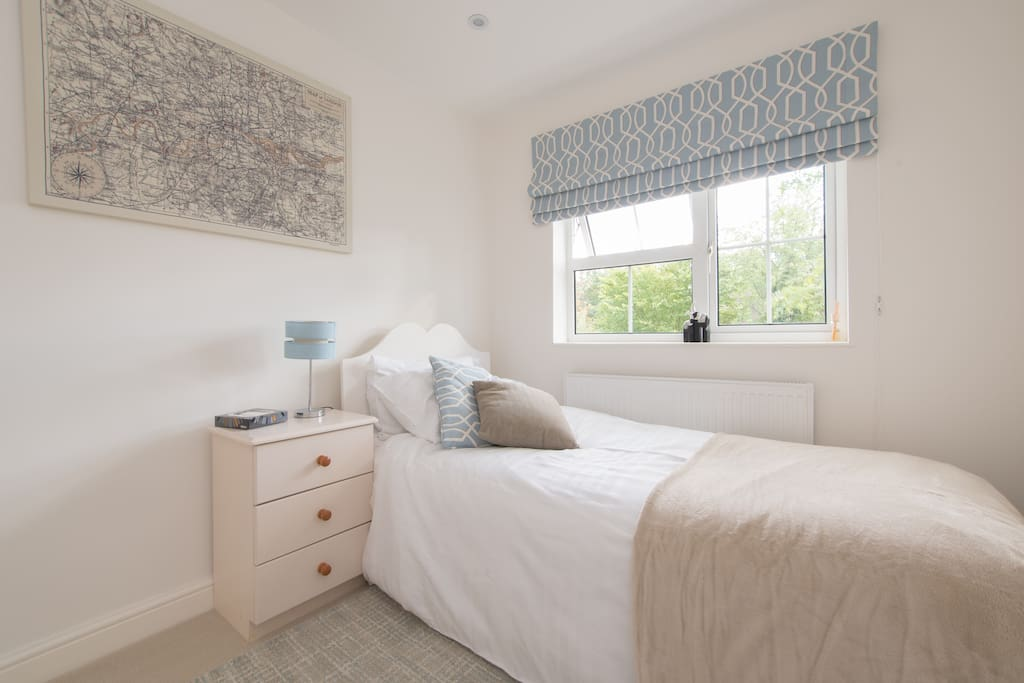 welwyn garden city singles dating site Find a welwyn garden city bed and breakfast in hertfordshire full details of guest houses, cheap hotel and b&b accommodation in welwyn garden city with live prices, availability and online booking.