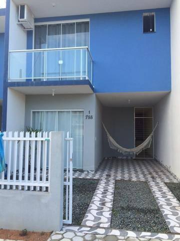 Casa na praia em Piçarras com área de festa