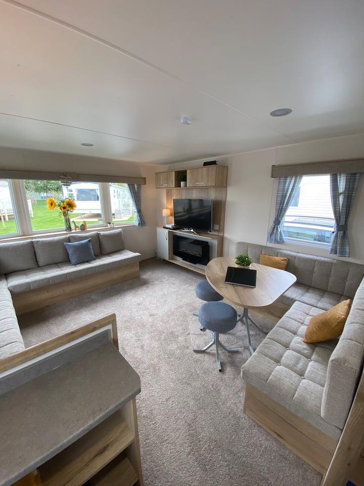 'Two Swans' @ Tattershall Lakes 8 berth caravan