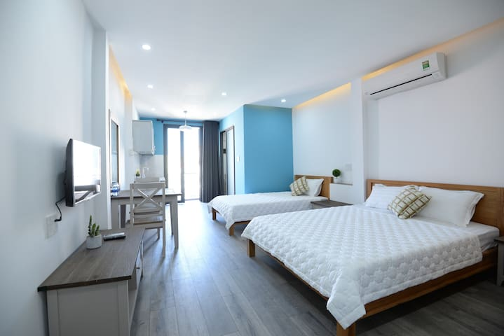 BoboHouse Blue - Spacious modern room