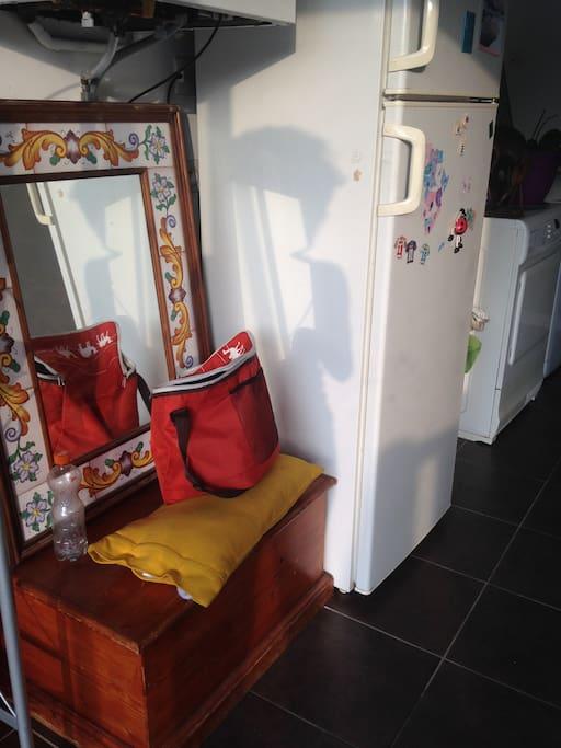 frigo-congélateur à disposition