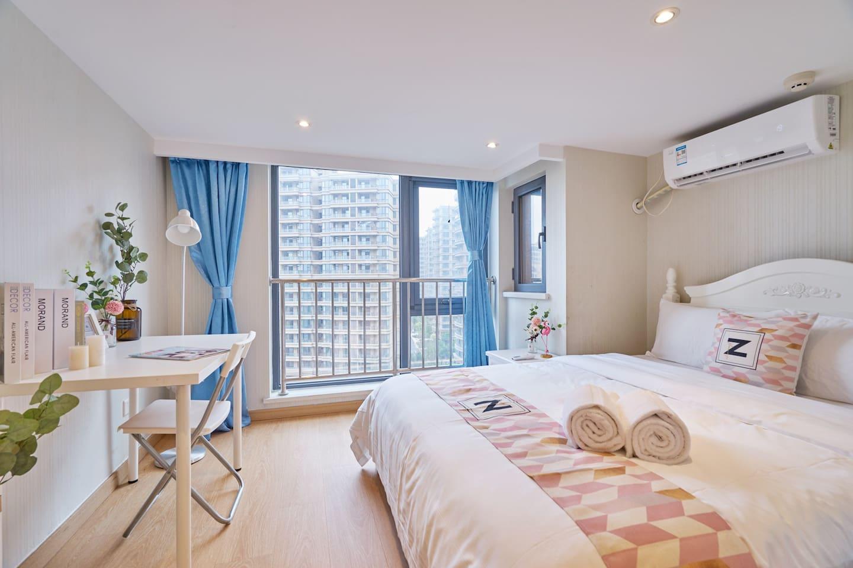 一楼卧室·舒适柔软的床垫,小家可住四人