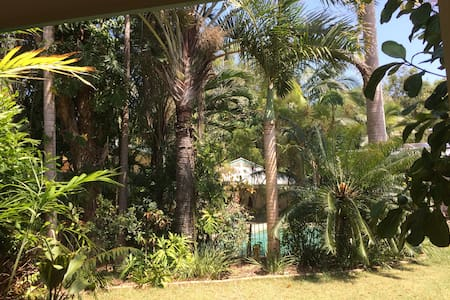 Mudjimba StudioApt Tropical Retreat Sunshine Coast - Mudjimba