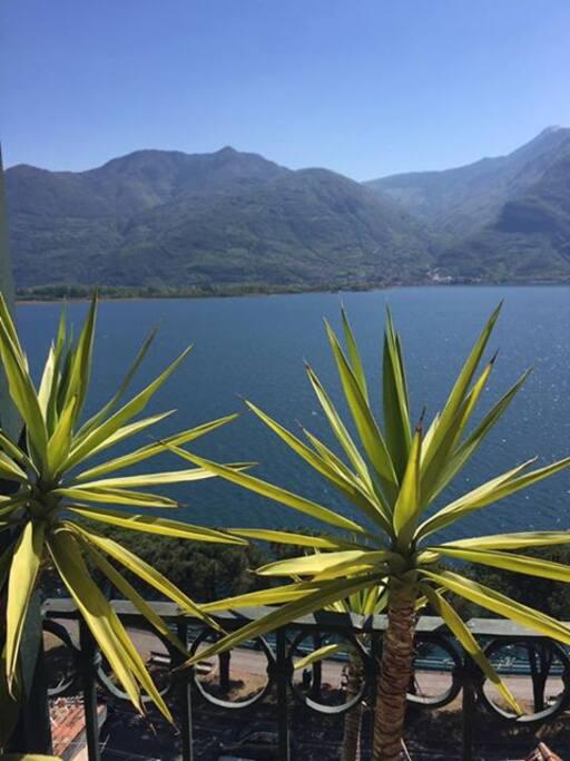 Vista dalla Finestra sul Lago d'Iseo