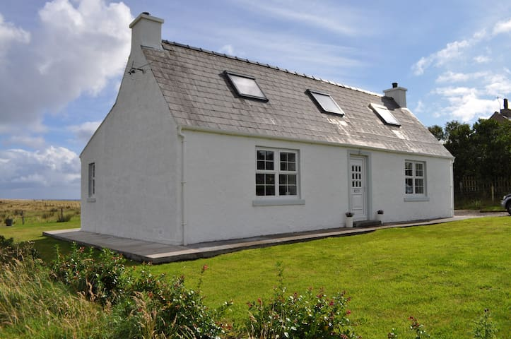 Beautiful Island Croft Cottage - Na h-Eileanan an Iar - House