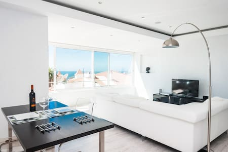 OCEAN VIEWS -  ESTORIL BEACH HOUSE