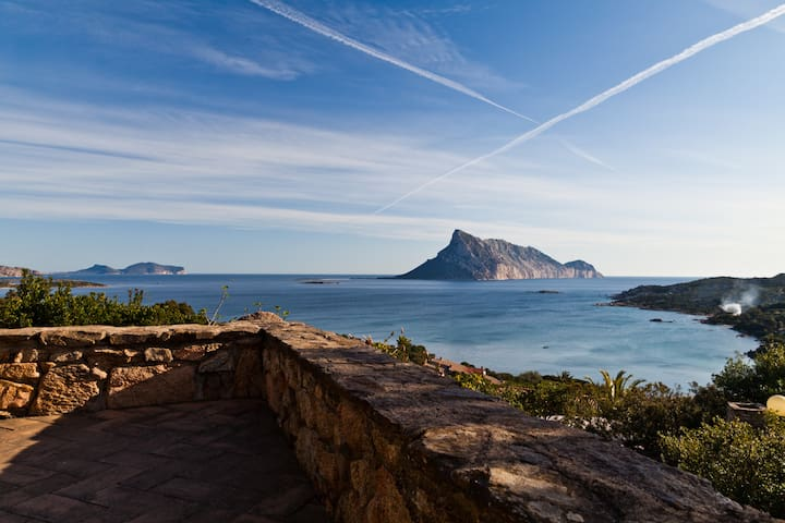 Sardinia villa, Bay of Calagirgolu