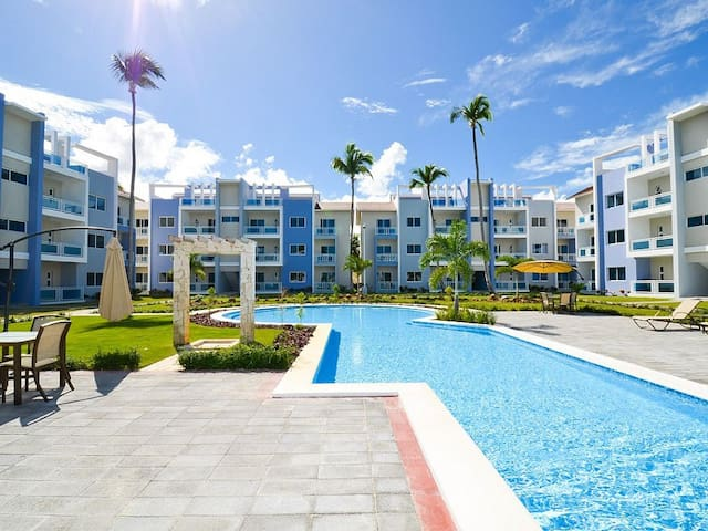 NEW SPACIOUS SUNNY CONDO W/TO BEACH - Punta Cana - Condominium
