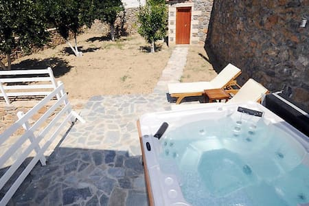 Villa with Jacuzzi in South Crete - Rethimnon - Hus