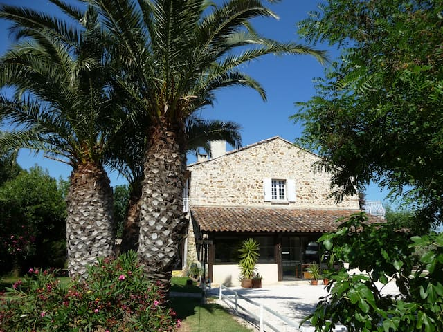HYERES, view on nature area - Hyères - Apartment