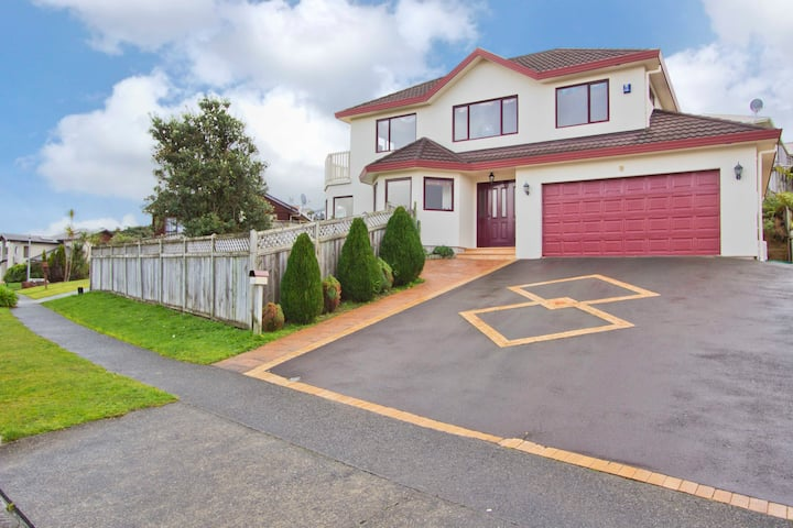 Large Home ideal for couples or singles