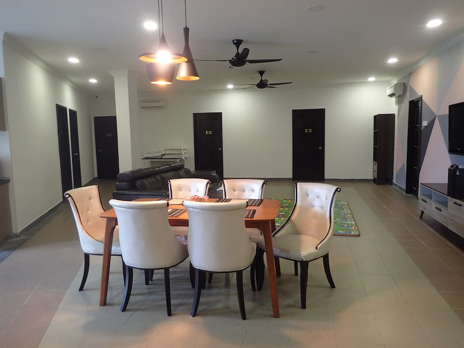 comfy dinning space