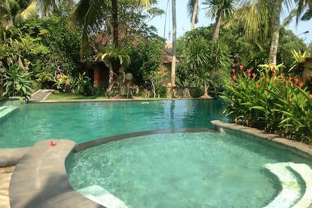 Apartment Satiga Central Ubud Quiet + Pool - Ubud - Apartment