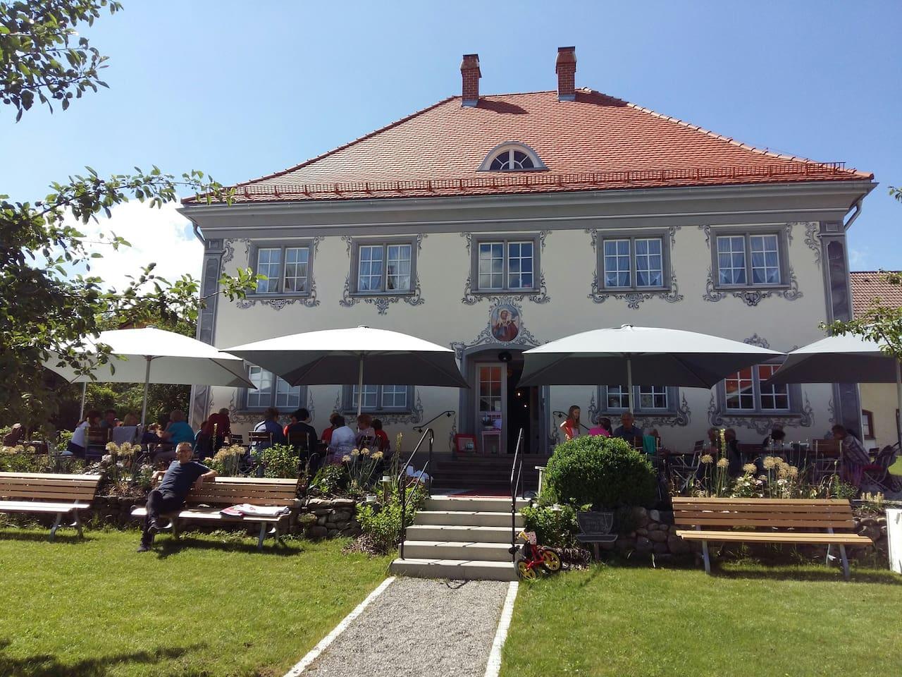 Wohnen im ehemaligen Pfarrhaus von 1778 in Merazhofen