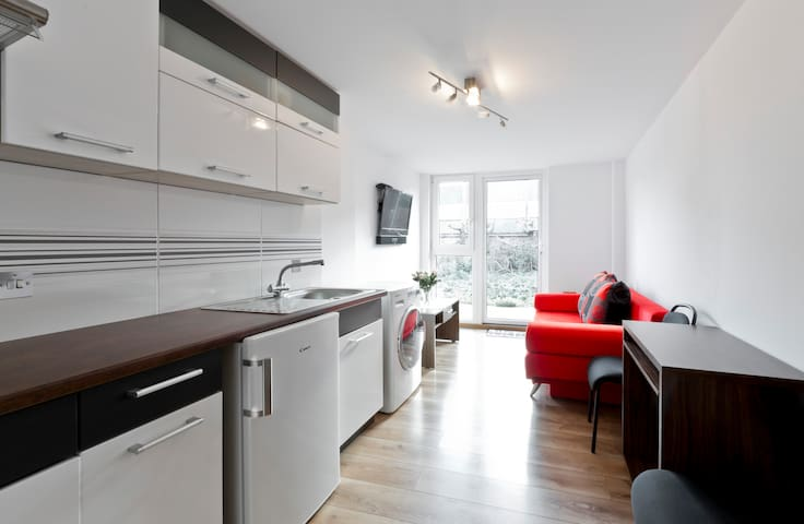 Cozy Ground floor 1 Bed flat - West Drayton - Rivitalo