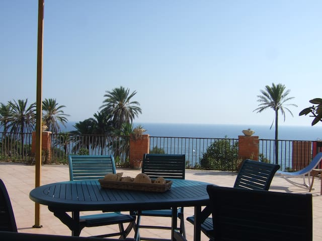 Among the palms and near by the sea - Sciacca - Haus