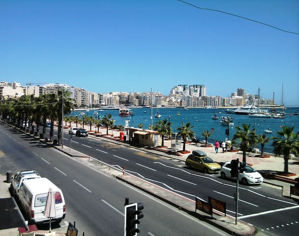 Modern Sea Front 2 Bedroom Apt  - Gzira - Apartament