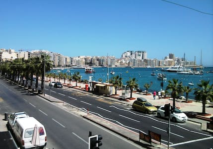 Modern Sea Front 2 Bedroom Apt  - Gzira - อพาร์ทเมนท์