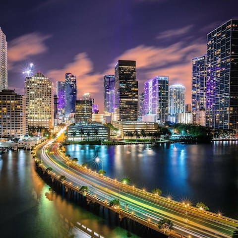 APT IN CONDO BRICKELL