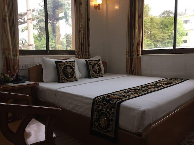 Double Room at Aung Su Pyae Hotel Bagan NyaungU
